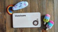 Frühstücksbrettchen / Kinderbrett aus Holz / Sternzeichen Löwe / graviert und personalisiert